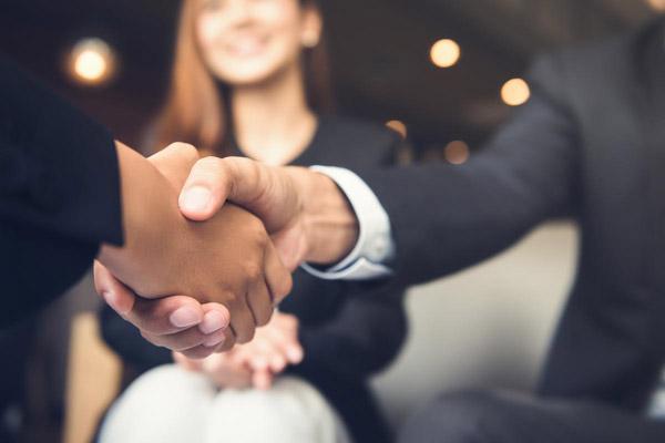 Business Etiquette - Gaining That Extra Edge